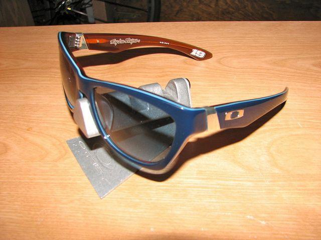 My Oakleys - 6098216987_8fc60a3ee9_z.jpg