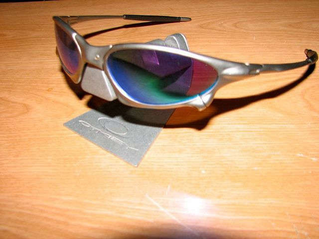 My Oakleys - 6098753314_5038a0d35f_z.jpg