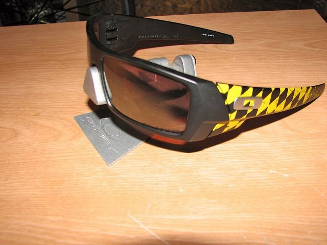 My Oakleys - 6098754902_b703574ab0_z.jpg