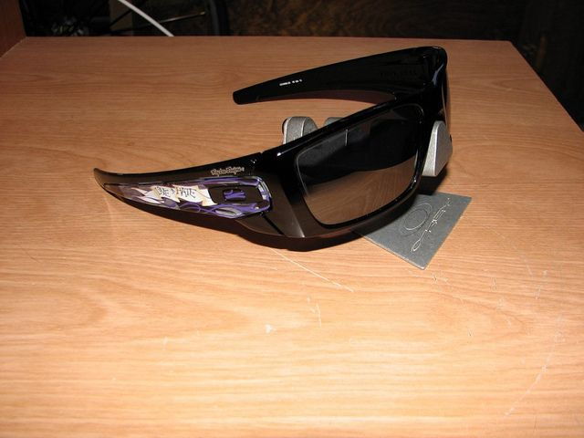 My Oakleys - 6108993381_e00f655f4d_z.jpg