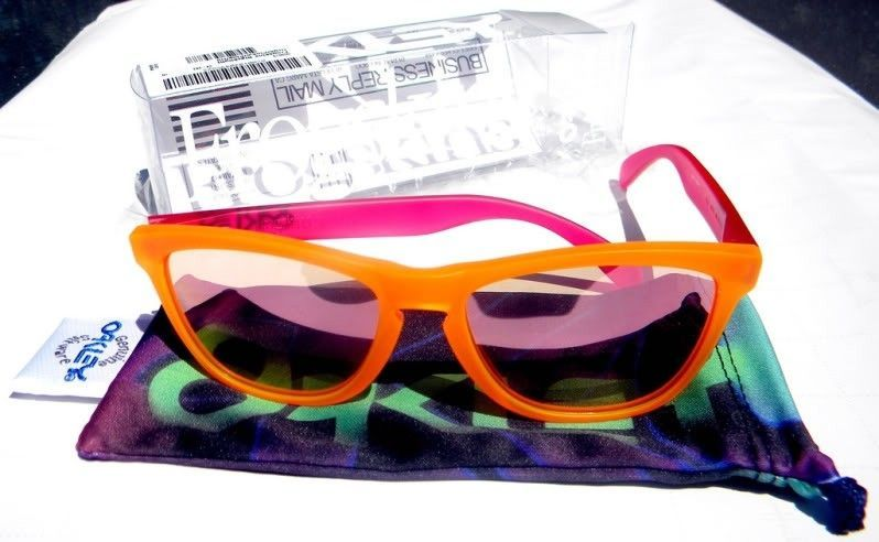Orange/Pink/Pink Iridium Blacklight Frogskins - 6178276177_11147c0772_b.jpg