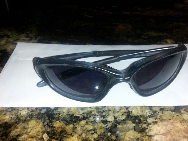 What Year And Model Oakley Glasses Are These?? - 632CE99C-5910-4087-B483-A4E2D5782E3A_1.jpg