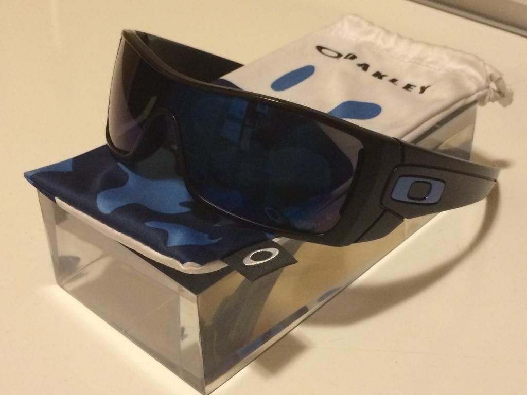 Oakley Large Acrylic Clear Display Tier Shelf Blocks - 66498758-5CD8-4E9A-8B79-09E73EC0059B.jpg