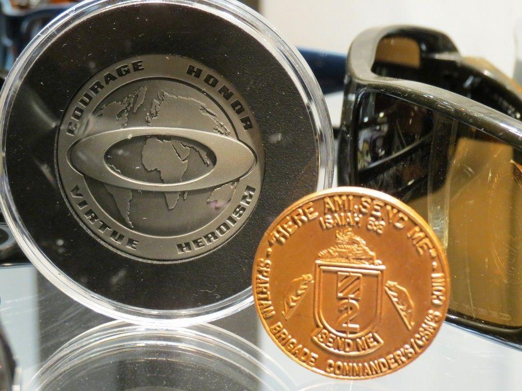 Challenge Coin - 6872973329_7ccc3dd497_b.jpg