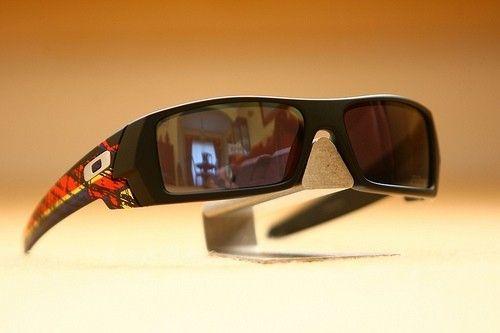 Montoya Gascan & Retina Burn Jawbone - 6961083686_13056bf3f1.jpg