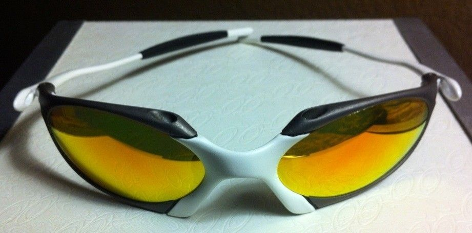 Oakley R1 Custom X-metal And Matte White (one Of A Kind) - 6B7BBAD7-D4A0-4F57-A089-6B78B726EF95.jpg