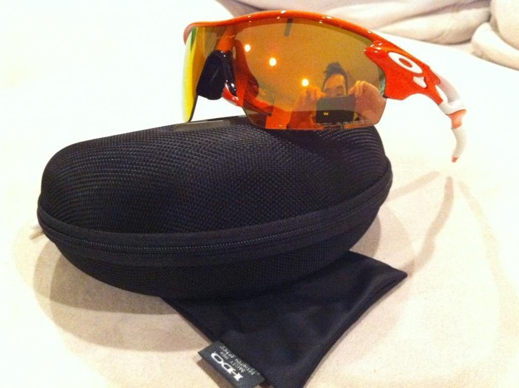 Radarlock Pitch Polarized - Blood Orange / Fire Iridium - 6ehusene.jpg