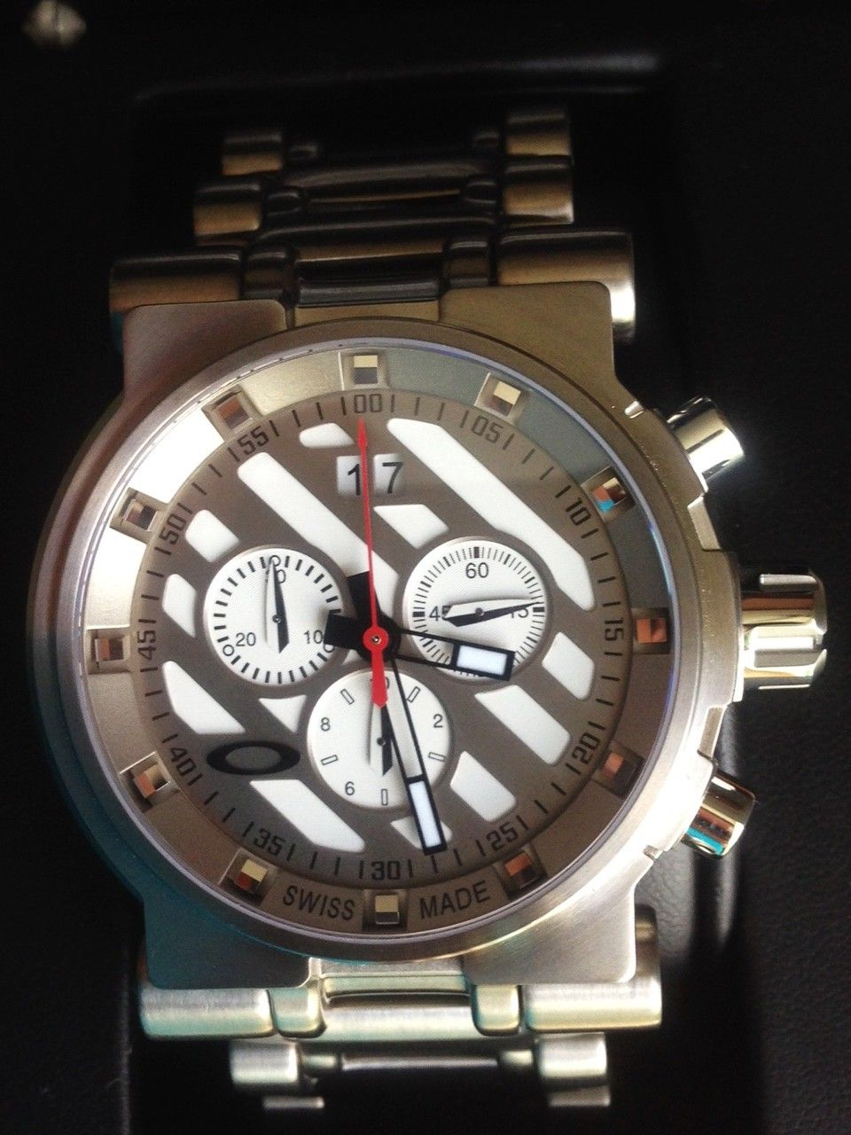 NEW IN BOX Oakley Hollow Point Titanium Watch White Dial 10-046 - 7.JPG