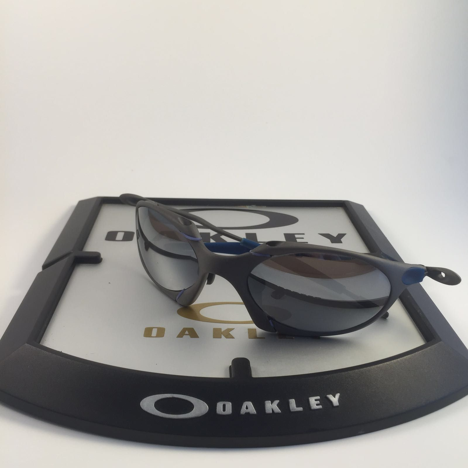 oakley romeo 1 x metal - 7045cdba-fd14-46f9-ba59-0f8b65d789b4.jpeg
