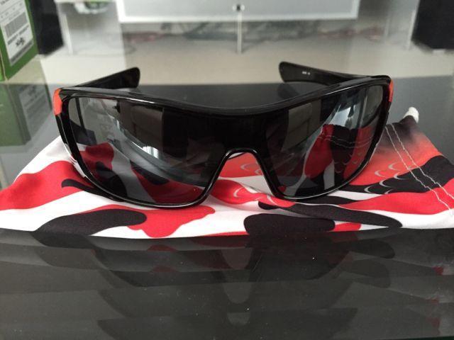 Oakleys for Sale - 719f71768946be76d7b44953239bf4f6.jpg