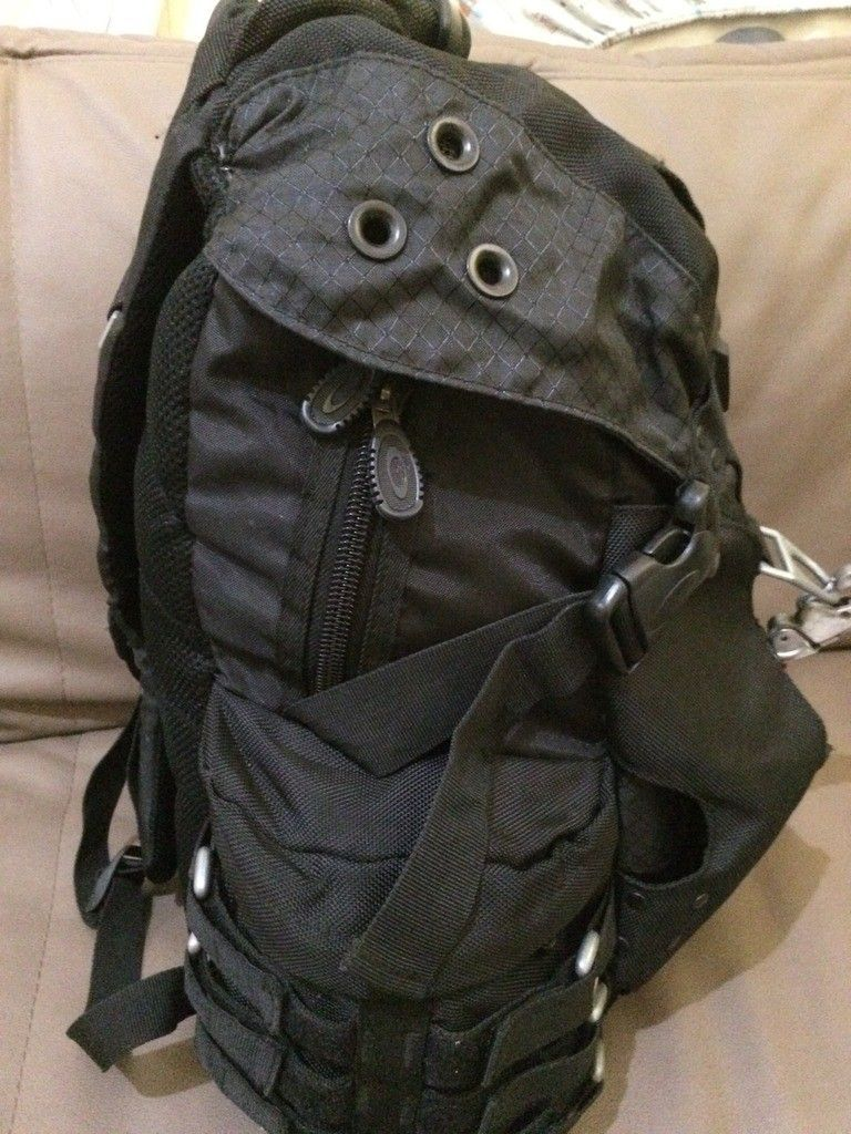 [Fake or Real? ] Identify an Oakley Backpack - 7342CE0F-042C-4A36-8815-B79F3E6516CB_zpsbtakapbv.jpg