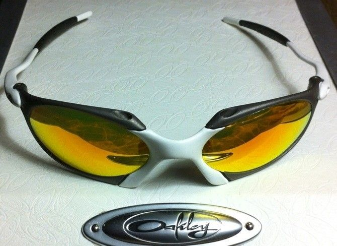 Oakley R1 Custom X-metal And Matte White (one Of A Kind) - 758B6002-2ACA-42D9-A571-3BA334EE1206.jpg