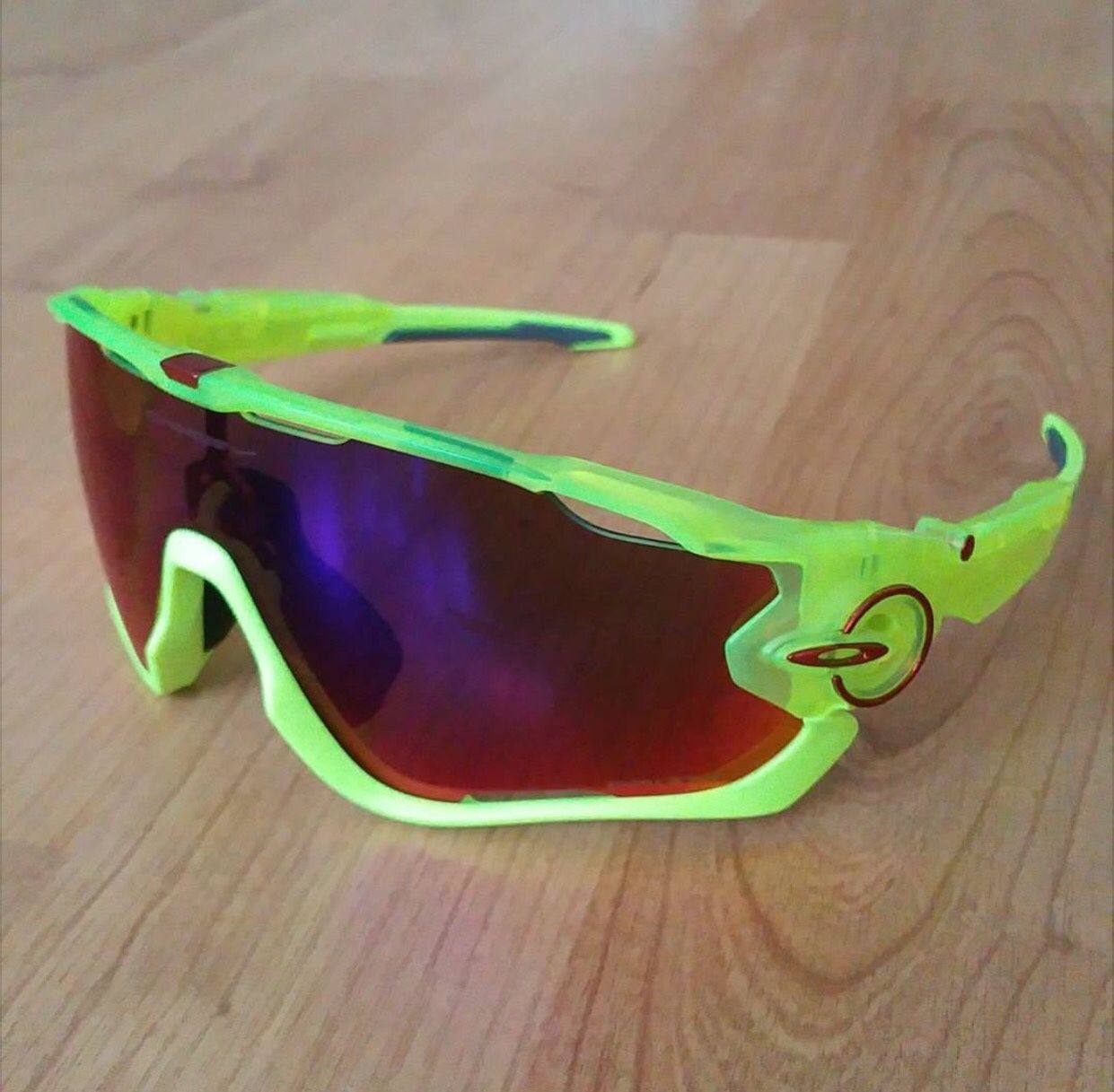 How to Dismantle / Take Apart an Oakley Jaw Breaker? - 7651e84a45059b7aab411f9425fc4910.jpg