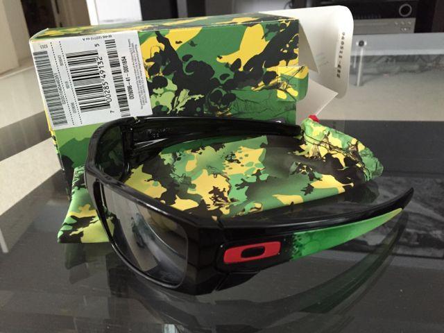 Oakleys for Sale - 79b18b960f50c889760bbe93399ba87d.jpg