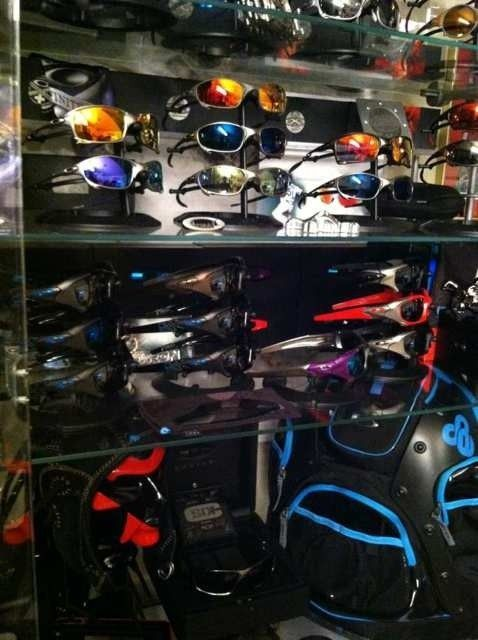 Oakley Case #1 Metals And Bosses - 7anepyva.jpg