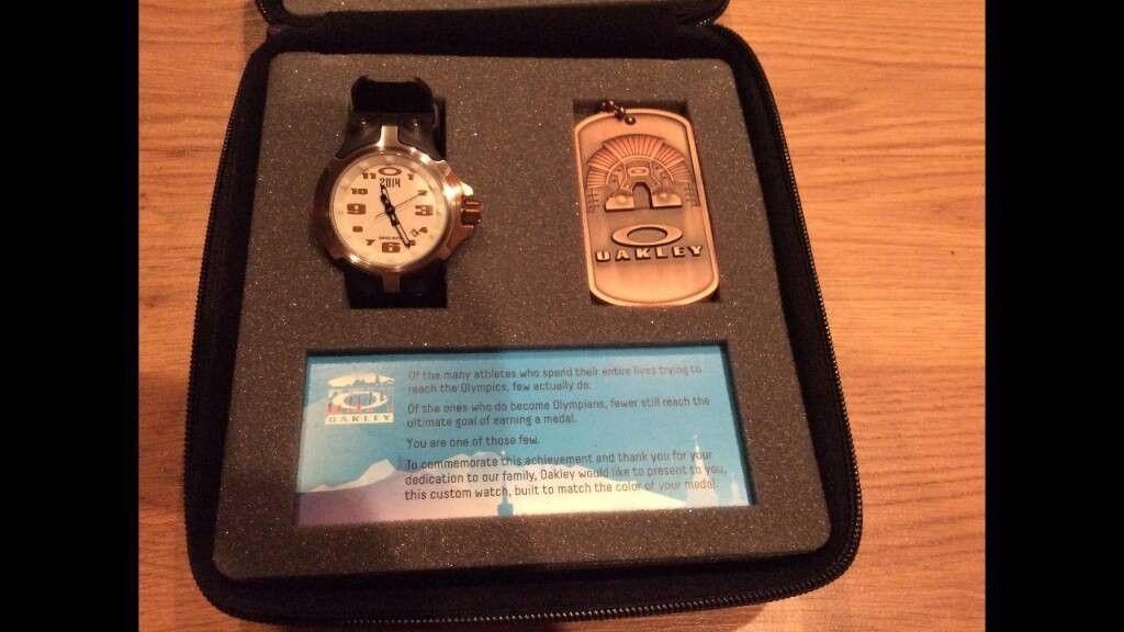 Oakley Olympic Gold Bottlecap set - 7be023507c06bb6667bf4c1465b825c6.jpg