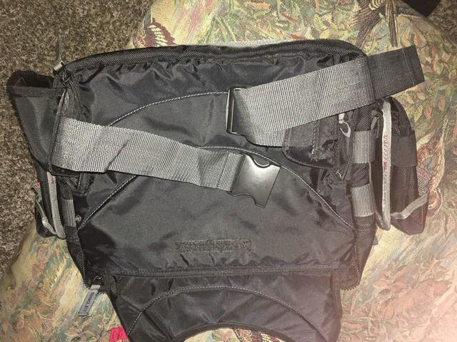 Can anyone help show me how this bag works? - 7E8FD94E-65EE-4441-834A-E7B3CF368F6C_zpsqzuayicb.jpg