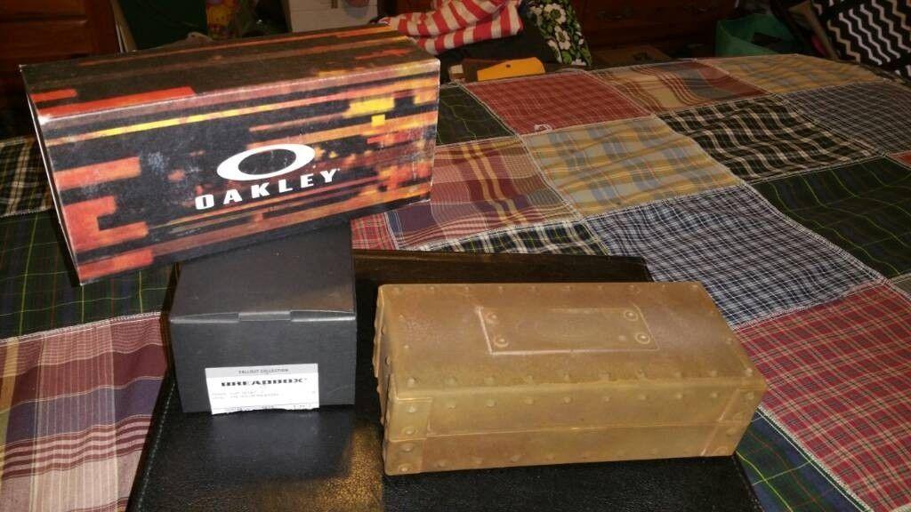 Pit Boss II & Breadbox Fallout Collection  (Rust, Bronze & Black Decay) - 7ebc9bb7a7eeaf45a348f859a9c2fefd.jpg