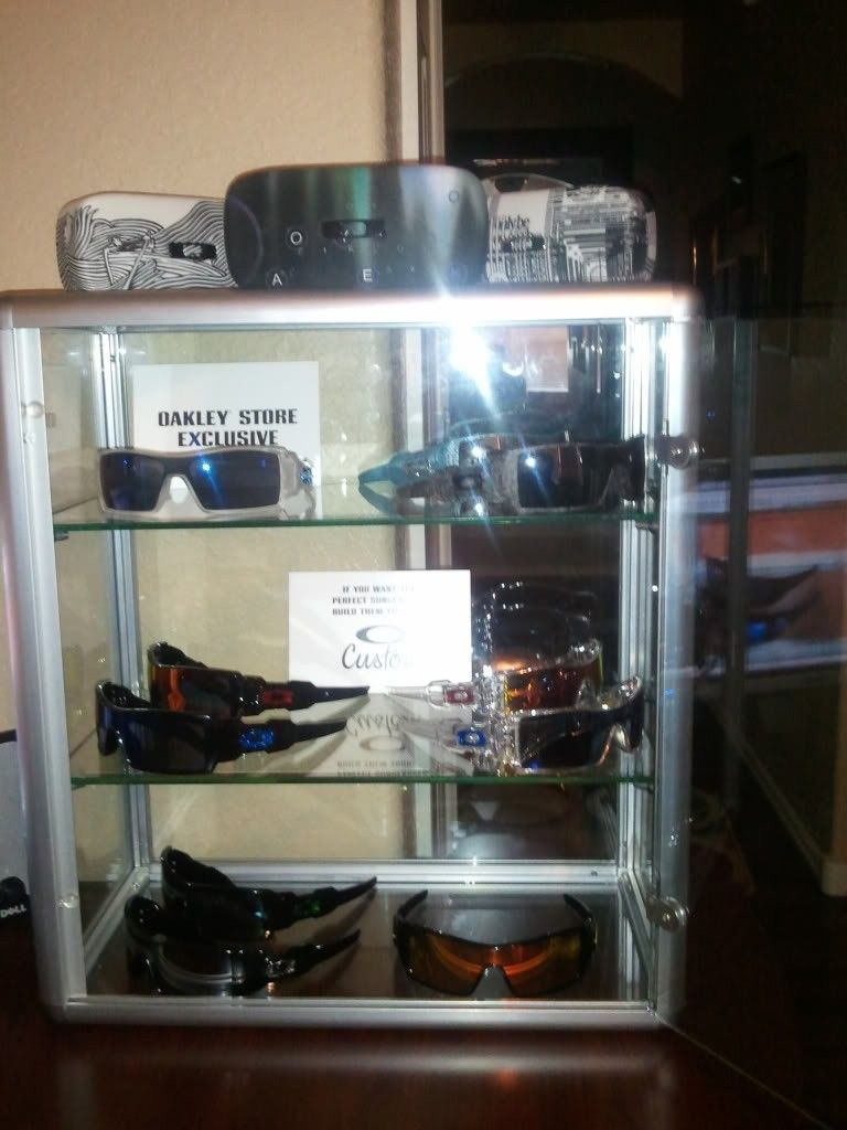 Bought 2 New Countertop Style Display Cases - 7f3103ee.jpg