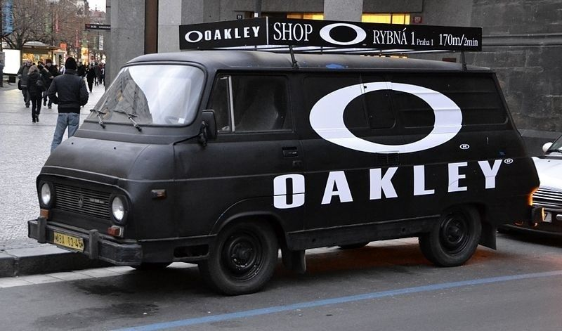 I guess Oakley Prague  doesn't have a great budget! - 800px-Van_in_Prague_with__Oakley__ad_zpsocfnfumc.jpg