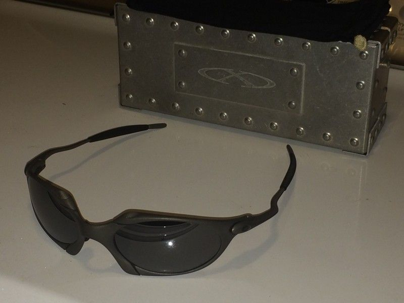 Or FS: Oakley Romeo 1 Excellent Condition With Xmetal Vault - 813459e5fd3ba916c419fda5e8c07502.jpg