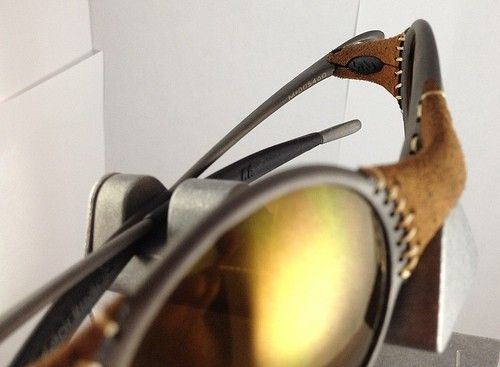 Brown/VR28 Juliet And Leather/Gold Mars - 8192298455_037fe54291.jpg