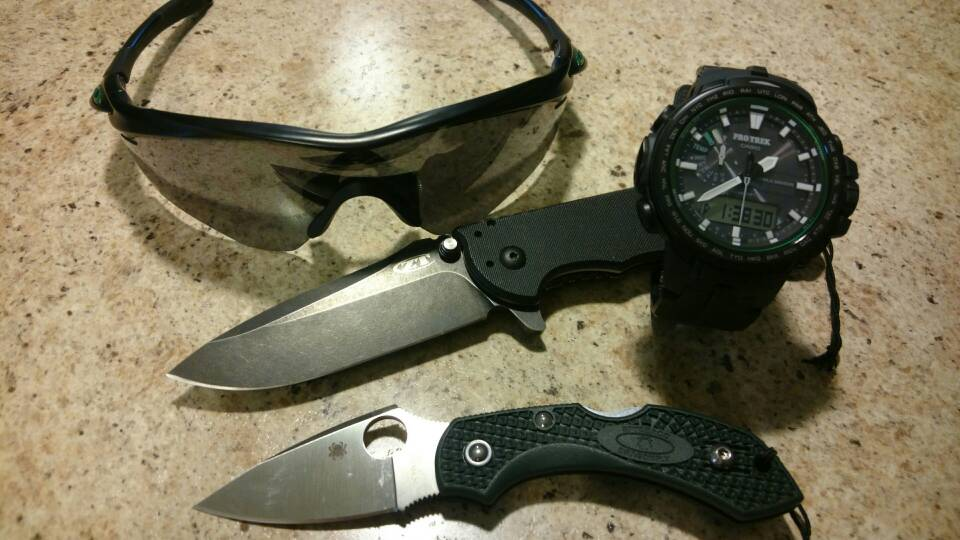 Blades, Shades and Watches - 881439e8a526af2d981d6515d66602af.jpg