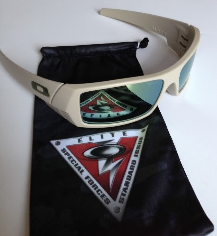 Straight Jackets, Eye Jacket, And SI Gascan - 885AFA45-63A3-4C24-AE07-C879A8B87D61-33058-00000969F73F5F4E_zps2779fe24.jpg