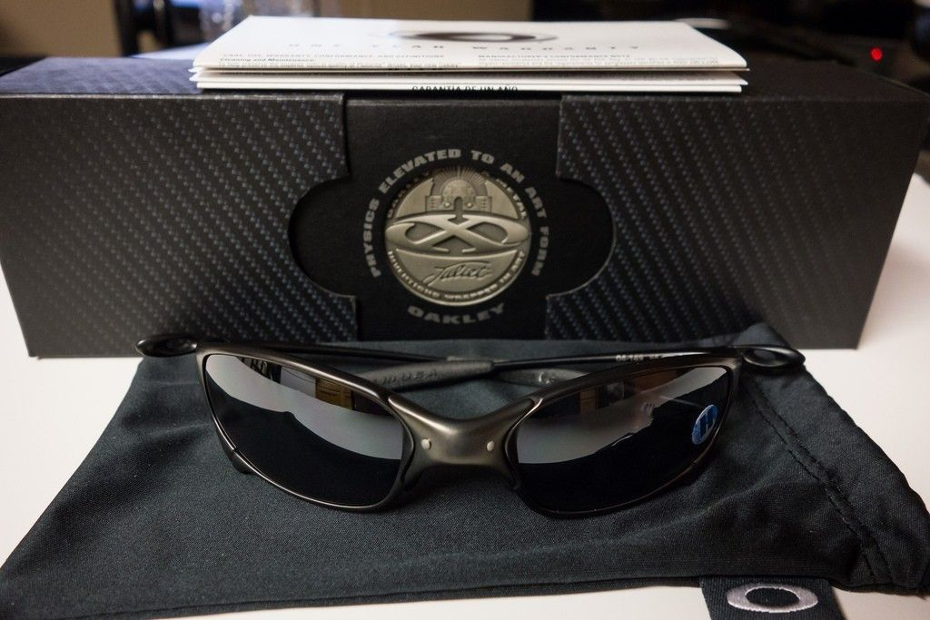 Carbon Juliets With Black Polarized Iridium + Matte Black Pit Boss 2 On The Way - 8873072292_73543ed898_b.jpg