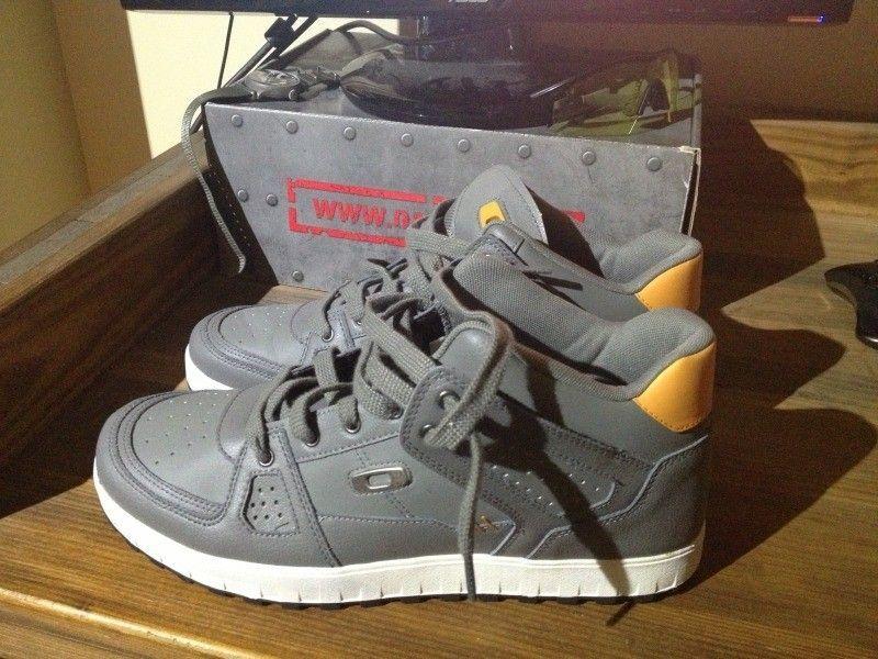 SI Snow Camo Assault Shoe, Black SI Shoe, Megajoule Mid Shoe - 8E7F722D-E028-443A-B738-FB38795B1A6F-7592-000006878FA0595F_zps82c89f25.jpg