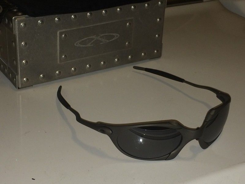 Or FS: Oakley Romeo 1 Excellent Condition With Xmetal Vault - 8ee222e1871fd6e086ea48821d829c67.jpg