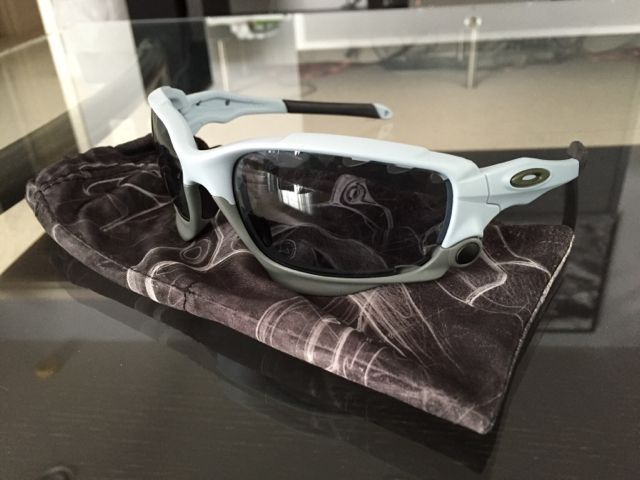 Oakleys for Sale - 8f0649da3a55bdb6eeac8665aa16e0c7.jpg