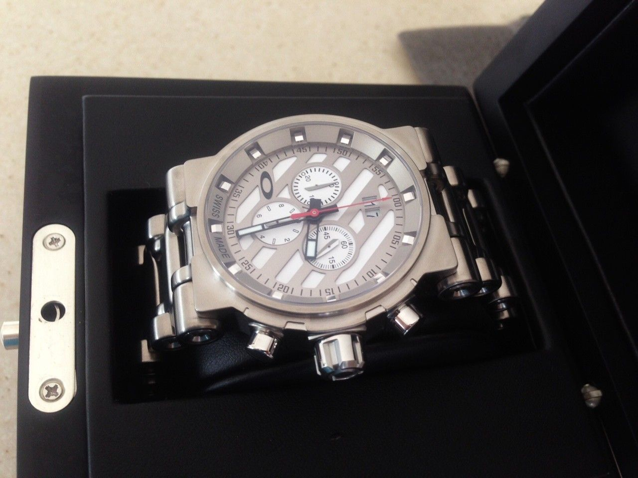 NEW IN BOX Oakley Hollow Point Titanium Watch White Dial 10-046 - 9.JPG