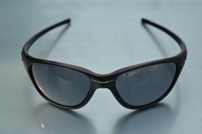 Oakley Frogskins New Frogskins Gen 3 Black Frames Gray Lenses - 9480241657_be6cb48ab6_c_zpsa6ee92b3.jpg