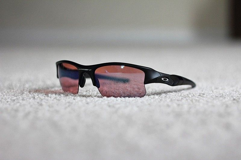 oakley sunglasses flak jacket red lens