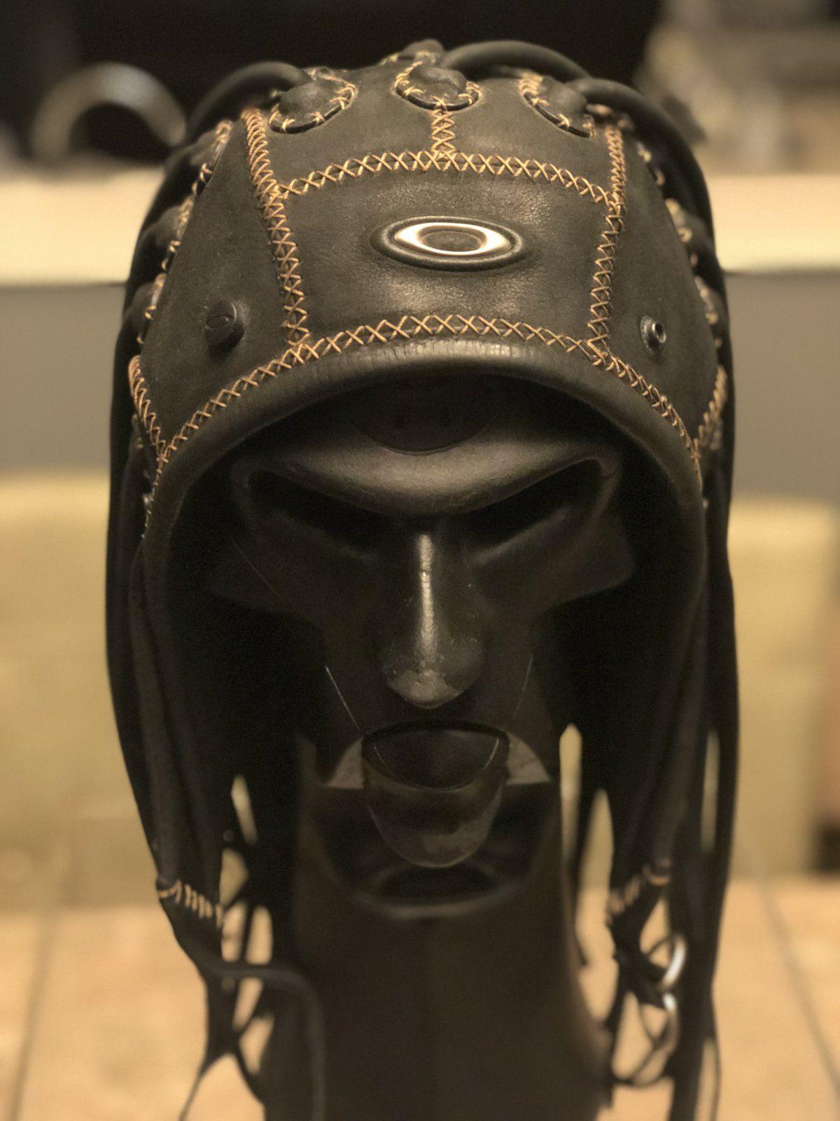 Oakley Medusa Mask