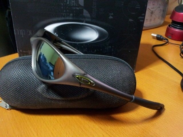 Identify This Pair Of Oakleys - 9aww00.jpg