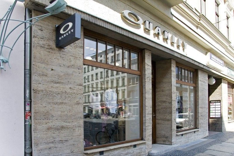 What Oakley Store Did You Visit Today? - 9ecaa044afc6556ae7d7a741b99d7920.jpg