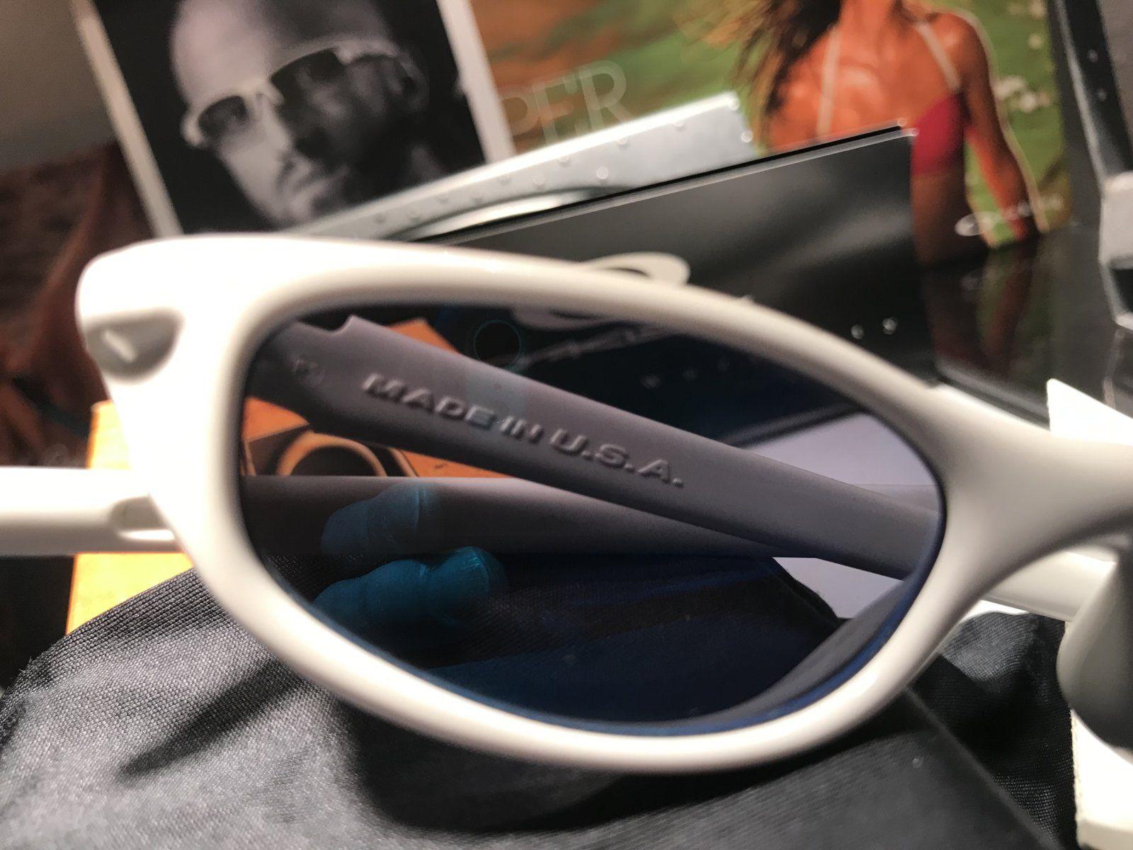 Bnib Four S White w/ blue lenses - 9EE39C91-93A2-42A8-935F-5660E9903F3D.jpeg