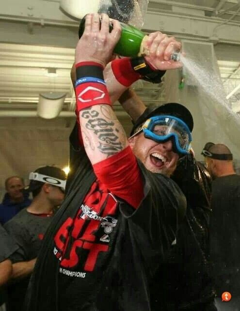 During Clubhouse Celebrations Red SOX PLAYERS Were Wearing OAKLEY GOGGLES. - 9u8a9uzu.jpg