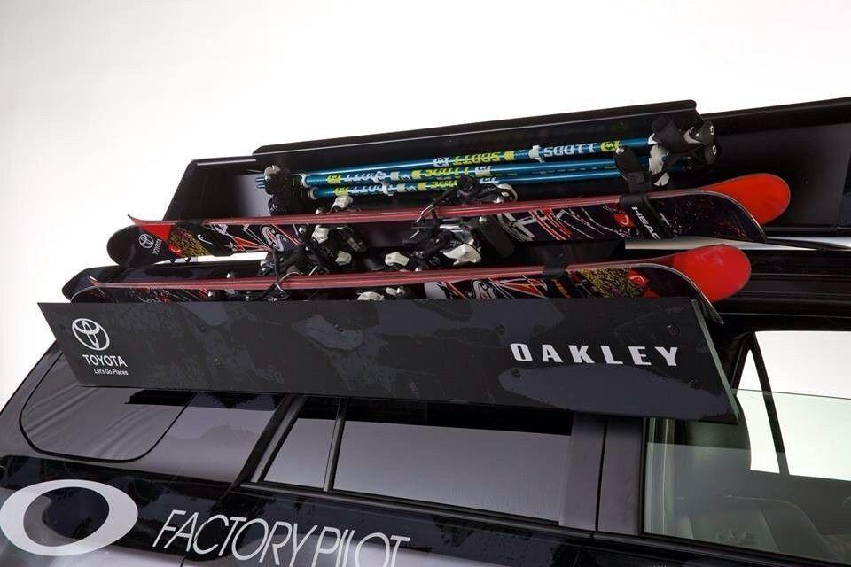 Oakley Vehicles - 9yse9y9e.jpg