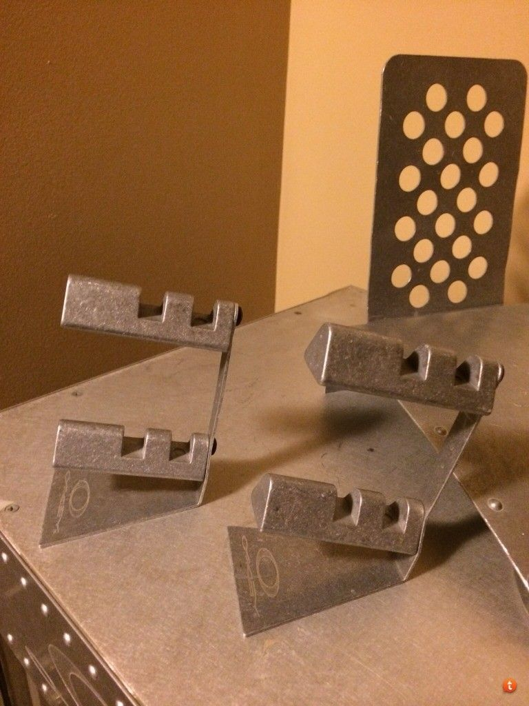 Metal Stands- 2 Doubles And One Other - 9ytesuja.jpg
