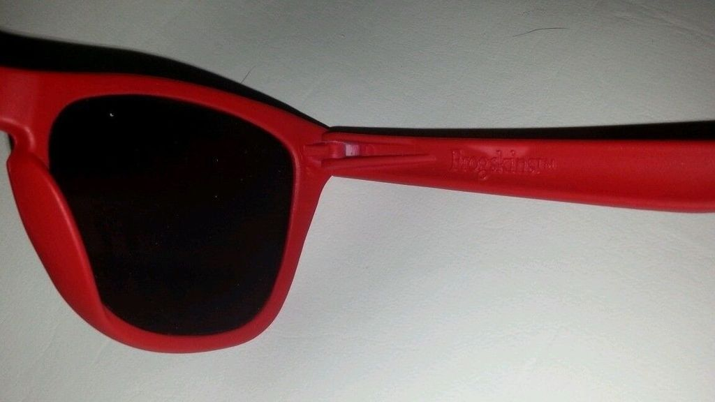 Anyone knows about Oakley matte red frogskins made in usa 555? - _57%201.jpe
