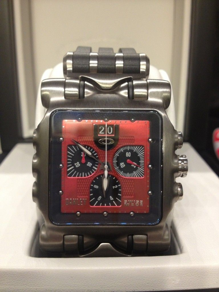 Minute Machine Red Dial Rubber Strap Edition LNIB Condition - A20DD06F-2EB6-459F-B3F1-7BCE30818D4B-4182-000002CB28ADA9E7.jpg