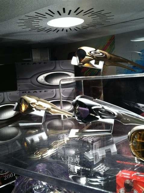 Oakley Display Cases #2 And #3 - a5y4yqem.jpg