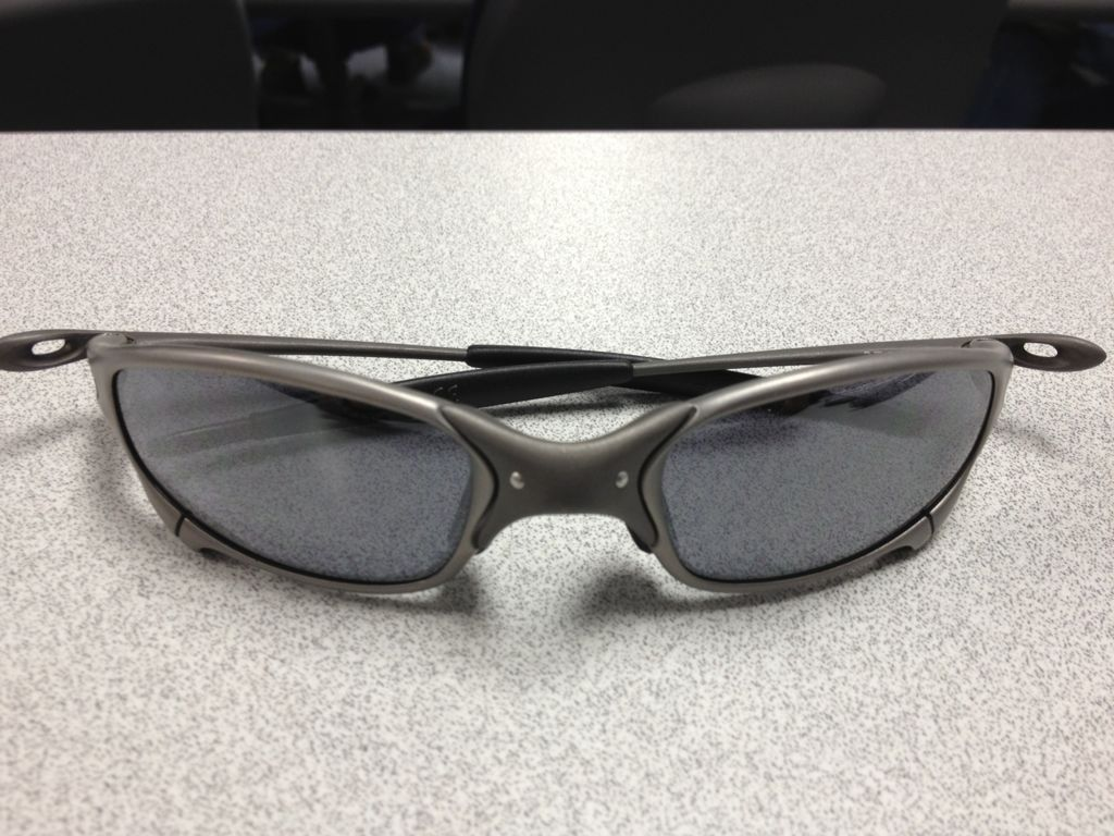 Oakley XX  Tio2 Are More Expensive Than Normal XX Or Plasma ? - a8ananas.jpg