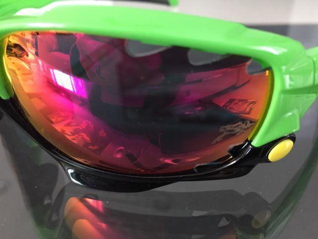 Oakleys for Sale - a98f691ed71ac16cc8fc50b9a4969ca0.jpg