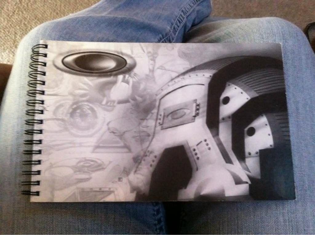 """Oakley """"Sketch"""" Notebook..... - aee8451b-ee8d-9562.jpg"""