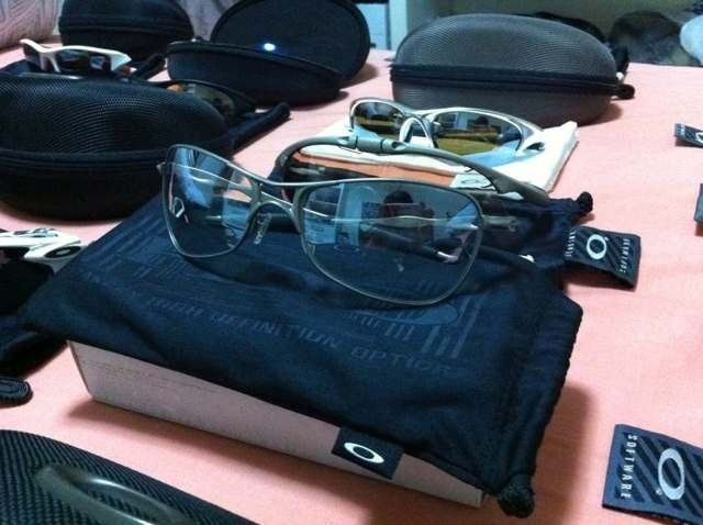 My name is BriP, and I'm an Oakley-holic. - aha7aveq.jpg