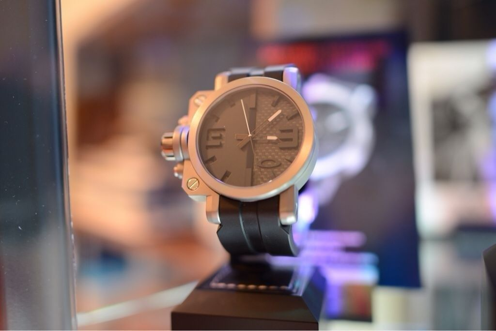 GH4AU's little Oakley watch collection - ahyvydu3.jpg